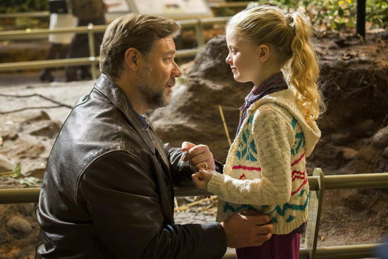 Apák és lányaik (Fathers and Daughters) Russell Crowe, Kylie Rogers